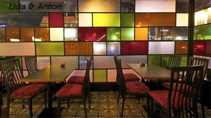 Цветное стекло в домашнем интерьере