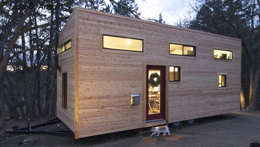Деревянный передвижной дом