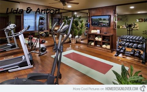 Традиционный домашний спортзал, но оснащен современными тренажерами.