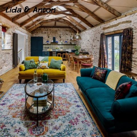 Гостиная диван желтый и синий