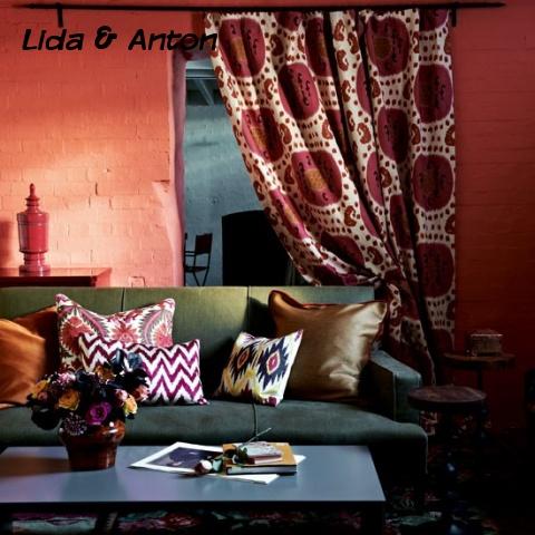 Красные стены с текстурой