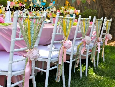 Интересное декорирование стульев