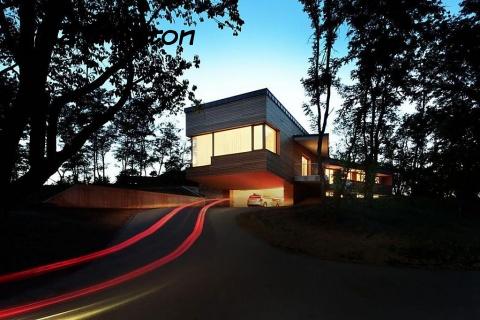 Великолепный гараж и быстрое авто