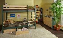 Деетская комната с двухъярусной кроватью