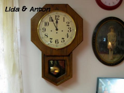 Настенные часы с курантами